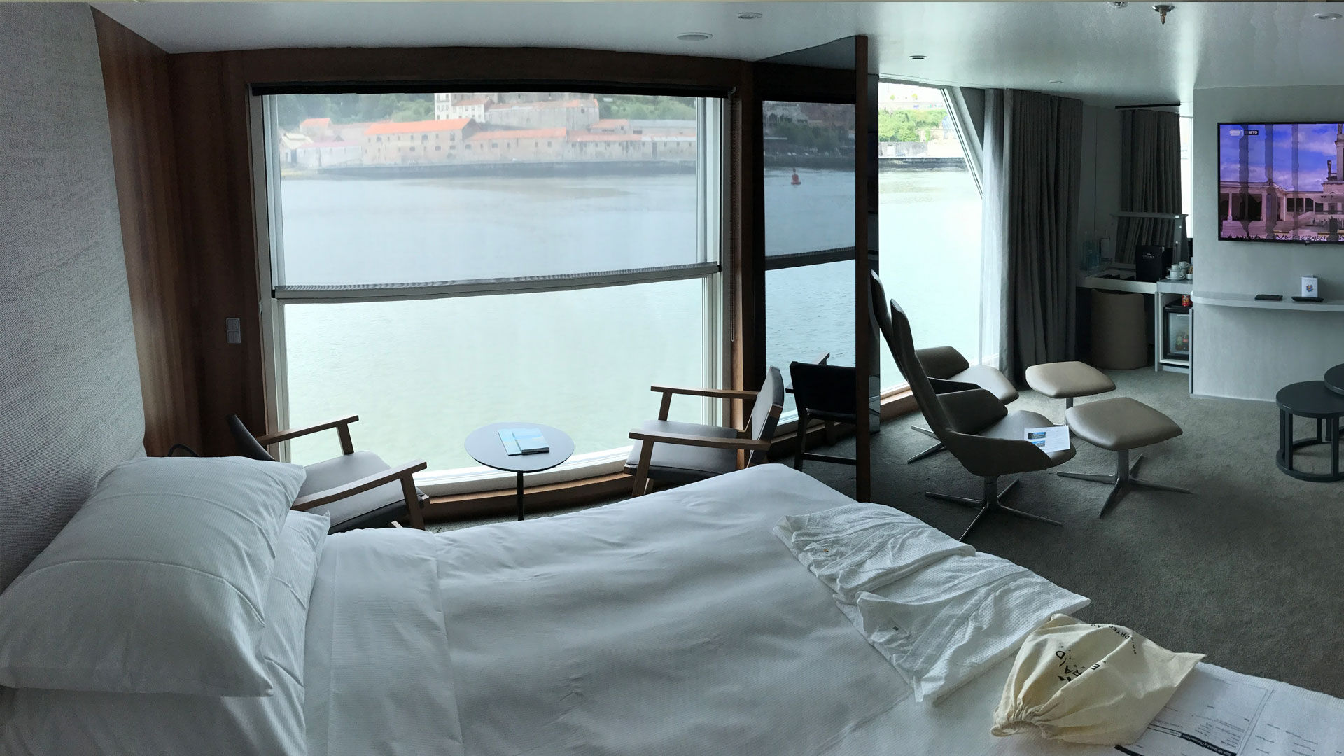 Suite on the ship